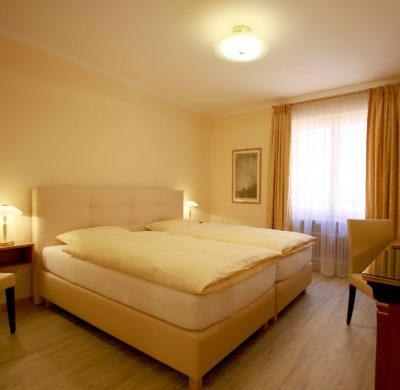 Hotel_Garni_Golf_Ascona_2019_Doppelzimmer_Classic 23-2