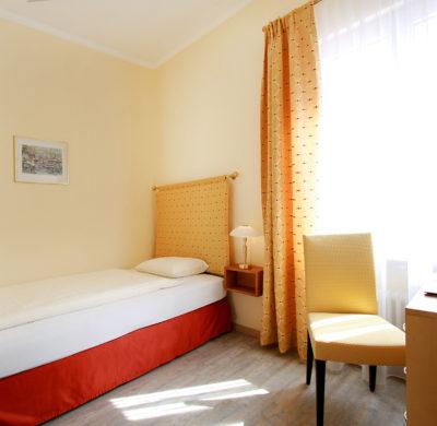 Hotel_Garni_Golf_Ascona_2019_Einzelzimmer_Classic